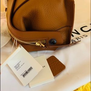 Givenchy Bags - Final Sale💥Givenchy Small bag sway COGNAC